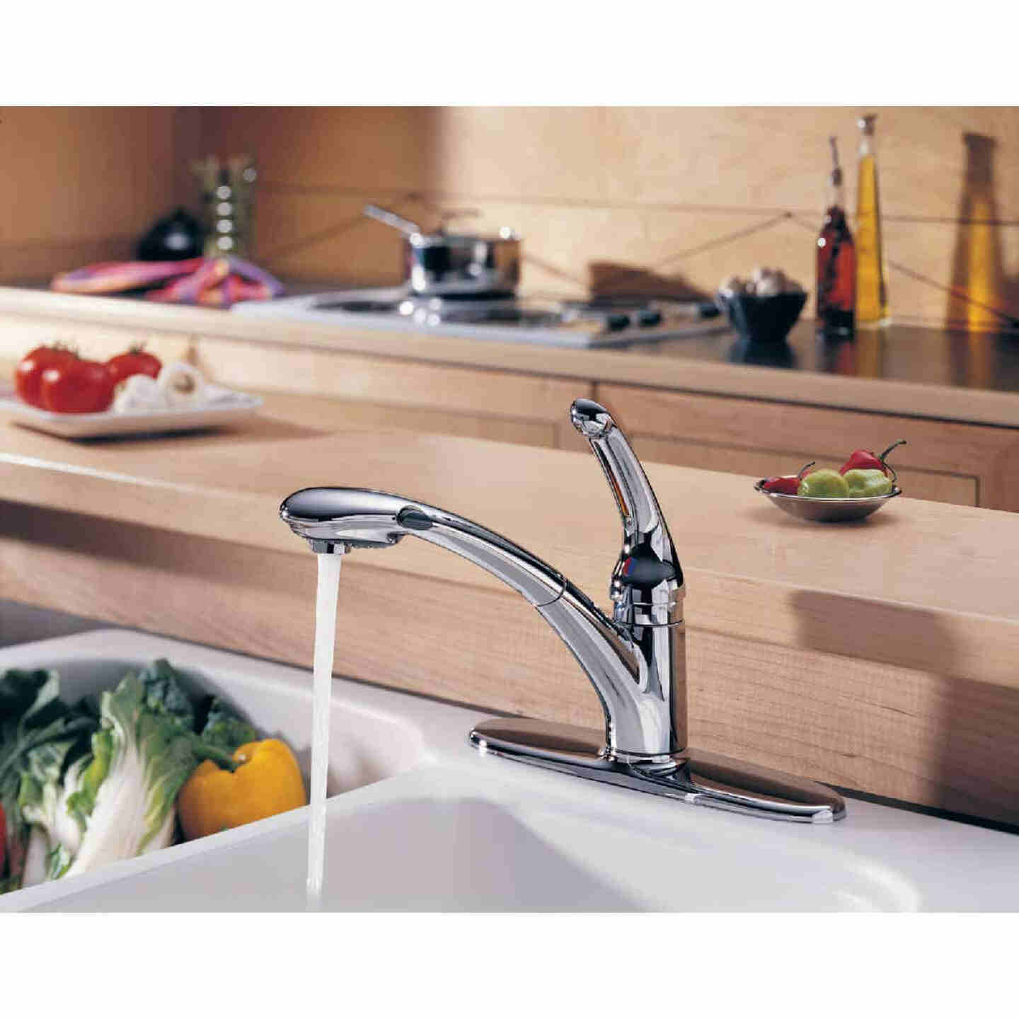 Delta Signature Single Handle Lever Pull-Out Kitchen Faucet with Soap Dispenser, Chrome Image 6